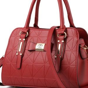 Handbags - Burgundy handbag